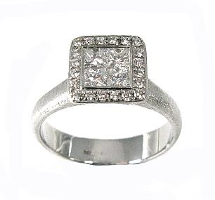 טבעת יהלומים בלוח מרובע