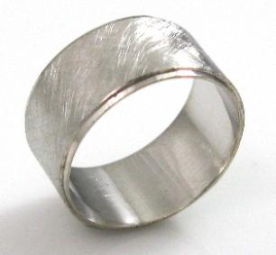 טבעת נישואין דגם קרן