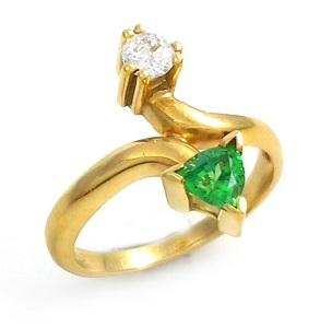 טבעת גרנט ירוק ויהלום דגם נועה