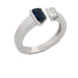 טבעת ספיר כחול ויהלום פתוחה דגם שני