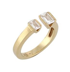 טבעת יהלומים בחיתוך אמרלד פתוחה דגם שני