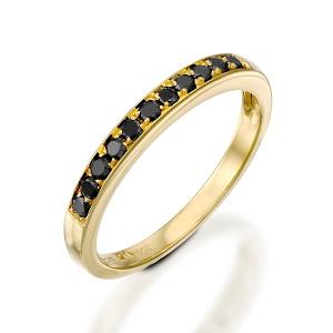 טבעת שורה יהלומים שחורים זהב צהוב דגם פולי