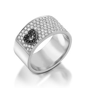 טבעת יהלומים לבנים ושחורים דגם לב מרחף