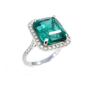 טבעת אמרלד ויהלומים דגם אמה