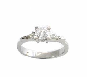 טבעת 3 יהלומים לאירוסין דגם יפית