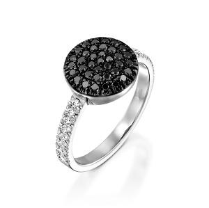 טבעת Berry S ביהלומים שחורים ולבנים