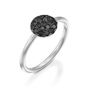 טבעת יהלומים שחורים זהב לבן Berry בטופ שחור